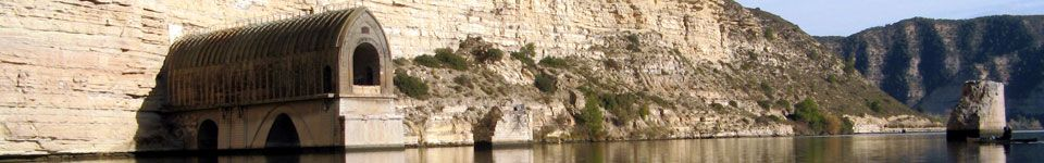 Camping-Bungalow-Ebro-Fayon-Mequinenza-tunel-tren1