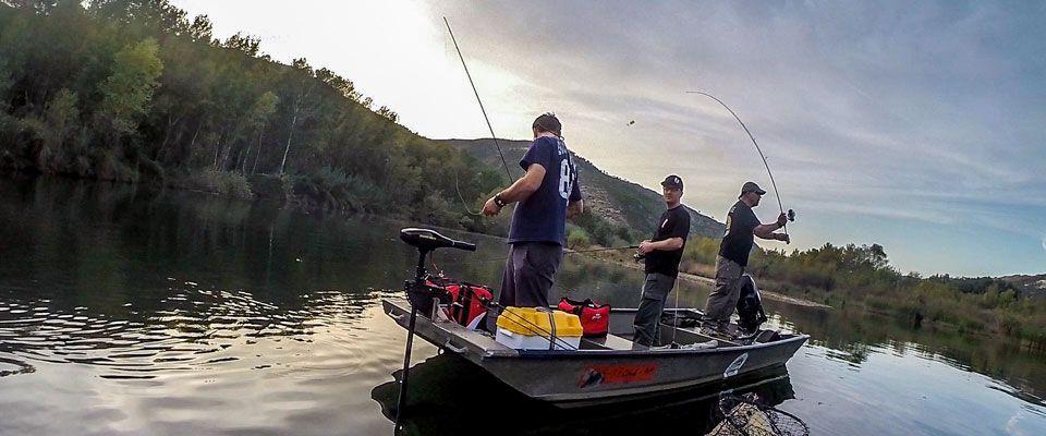 alquiler de embarcaciones de pesca en el río ebro, cerca de mquinenza