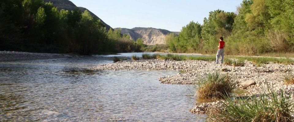 rutas por el río mataraña con kayaks de alquiler disponibles en el camping portmassaluca