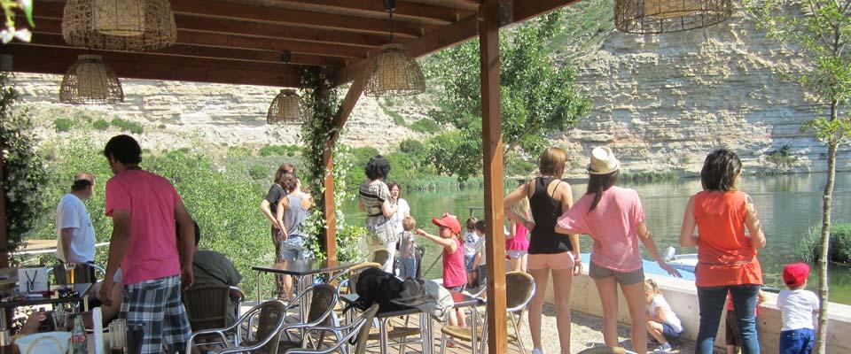 vistas de la terraza del camping portmassaluca cerca de mequinenza