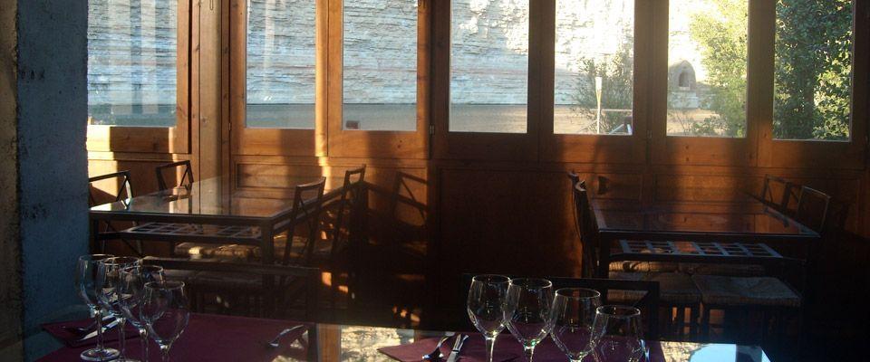 interior del restaurante del camping familiar portmassaluca