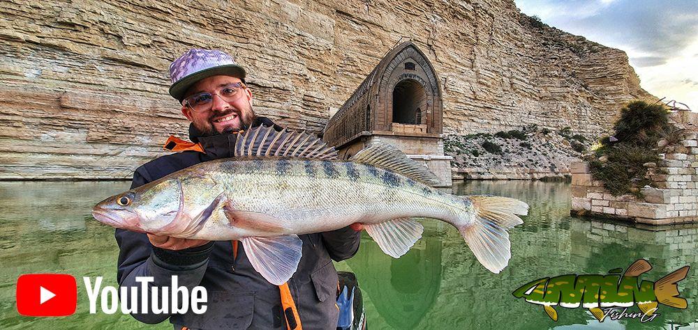 El youtuber de pesca Aminniak Fishing visita el Camping PortMassaluca en España en el río Ebro